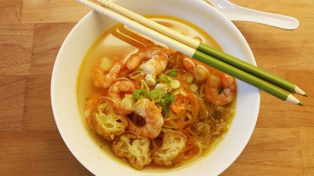 Chinses style zoodles soup with prawns and fried Chinese crullers (Youtiao)