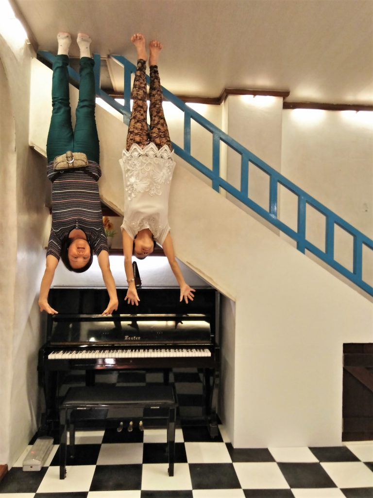 Piano, upside down musuem,