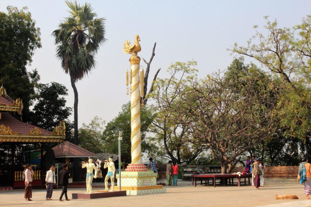 bagan, Irrawaddy riverside, Burmeses temple,