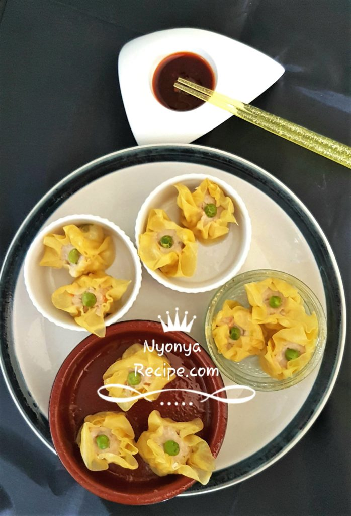 Sui Mai is a dim sum, a Chinese snack. Minced turkey breast.