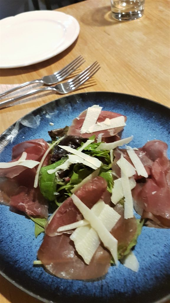 Dried beef with mozzarella starter